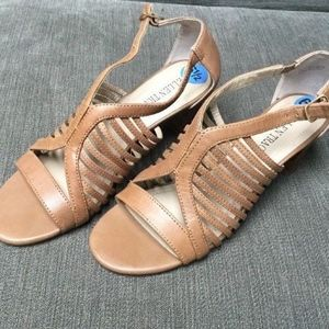 """Ellen Tracy 2 1/2"""" Open Toe Sandal SZ 6 /2 M"""